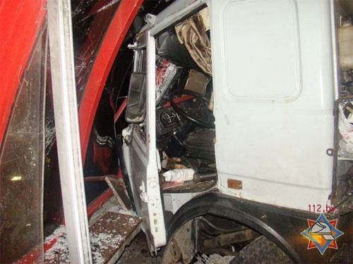 Фура сбила 4 авто. Есть погибшие
